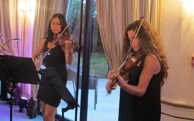 Prestation et Animation du quiz musical par le duo « Les Parisiennes ».
